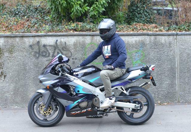 Kawasaki Ninja ZX9R 2003