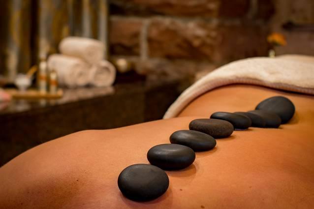 Massagen Wellness und Enthaarung Waxing