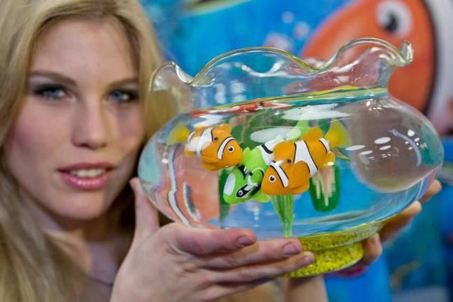 Robo Fisch Fish Clownfisch Nemo Kinder Spielzeug Wasser Wasserspielzeug