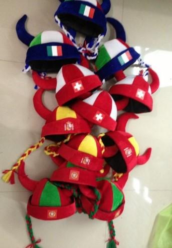 Spanien Espania Deutschland Portugal Italien Fan Kappe Mütze Hut Wikinger Helm Zöpfen Fussball WM EM Fanshop
