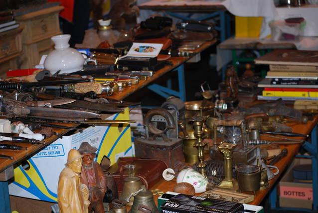 grosser Floh-Antiquitäten&Sammlermarkt