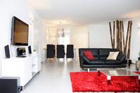 Neuwertige 3.5 Zimmer Wohnung mit weitsicht zu vermieten, kann auch als WG benützt werden. 8046 Zürich Kanton:zh
