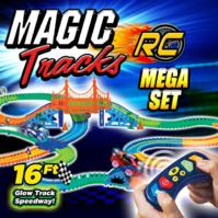 Ontel Magic Tracks Mega RC mit 2 ferngesteuerten Turbo Rennwagen und 4,8 m flexibel biegbar leuchtet im Dunkeln Spielzeug Auto Ferngesteuert LED Rennbahn